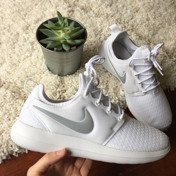 cb4c7853d0b93 SALE🎉 NIB Nike Roshe Two 2 White Gray Swoosh 7.5